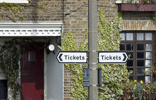 Street sign for 'Tickets'