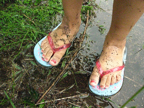 Flipflops and dirty feet